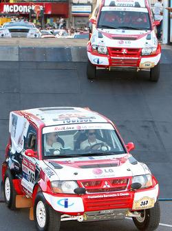 #366 Mitsubishi Pajero: Francisco Inocencio and Paulo Fiuza, #367 Mitsubishi Pajero: Nuno Pedro Inocencio and Jaime Santos