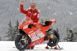 Casey Stoner with the new Ducati Desmosedici GP9