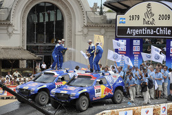 Car category podium: winners Giniel De Villiers and Dirk Von Zitzewitz, second place Mark Miller and Ralph Pitchford