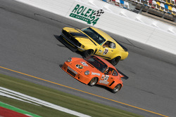 Porsche 911 RSR and Ford Mustang