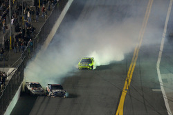 Paul Menard, Yates Racing Ford spins, Dale Earnhardt Jr., Hendrick Motorsports Chevrolet collide with Bobby Labonte, Hall of Fame Racing Ford