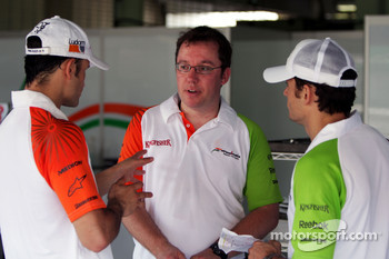 Vitantonio Liuzzi Force India F1 Third Driver with Jody Eggington Force India F1 Race Engineer and Giancarlo Fisichella Force India F1