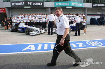 BMW Team photograph, Ross Brawn, Brawn GP