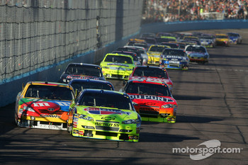 Mark Martin, Hendrick Motorsports Chevrolet leads the field