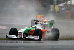 Giancarlo Fisichella, Force India F1 Team runs off the road