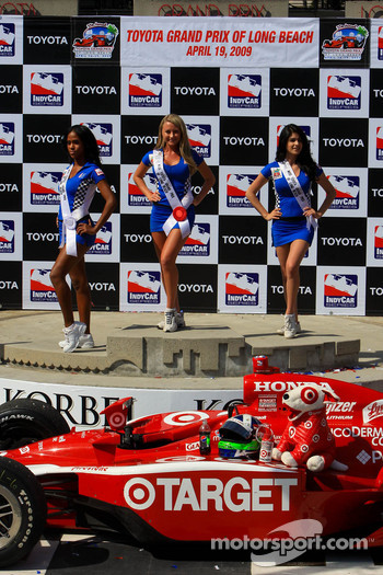 Podium: the charming Miss Grand Prix of Long Beach girls