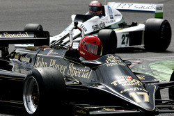 #17 Nico Bindels (L) Lotus 87B, Martin Stretton Racing (1981-82); #27 Tony Smith (GB) Williams FW06-4, GF Racing (1978)
