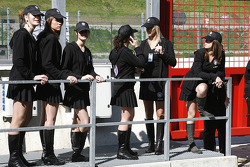 Grid hostesses