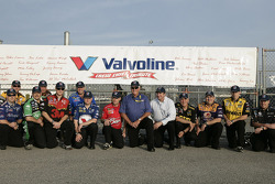 Legendary crew chief Dale Inman is flanked by Team Valvoline crew chiefs from Richard Petty Motorsports and Roush Fenway Racing; the #43 Valvoline Dodge, driven by Reed Sorenson, is paying tribute to Inman and  all crew chiefs in Saturday night's Southern