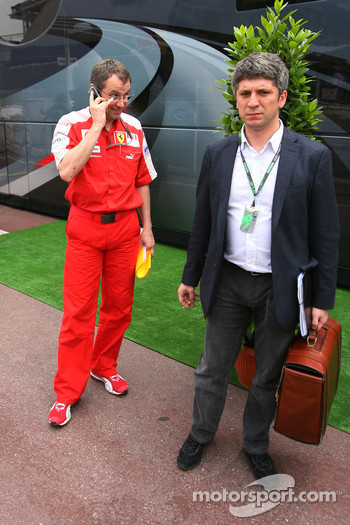 Stefano Domenicali, Scuderia Ferrari Sporting Director goes to the FOTA meeting on Flavio Briatore yacht