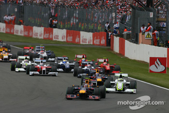 Start: Sebastian Vettel, Red Bull Racing, leads the field