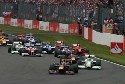 Start: Sebastian Vettel, Red Bull Racing, leads the field