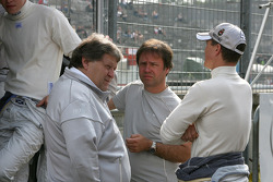 Norbert Haug, Motorsport chief Mercedes, Gerhard Ungar, chief technician HWA Mercedes, Ralf Schumacher, Team HWA AMG Mercedes C-Klasse