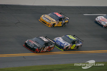 David Stremme, Penske Racing Dodge, Jimmie Johnson, Hendrick Motorsports Chevrolet and Jamie McMurray, Roush Fenway Racing Ford