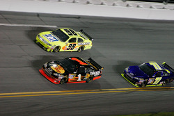 Paul Menard, Yates Racing Ford, Martin Truex Jr., Earnhardt Ganassi Racing Chevrolet, David Gilliland, TRG Motorsports Chevrolet