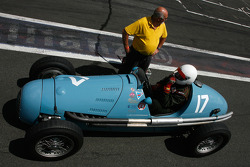 Starting from the pitlane, #17 Marc Valvekens (B) Gordini T16, 1956, 1500cc