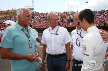 Dietrich Mateschitz, Owner of Red Bull and Helmut Marko, Red Bull Racing, Red Bull Advisor with Sebastien Buemi, Scuderia Toro Rosso