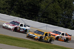 Matt Kenseth, Roush Fenway Racing Ford, Clint Bowyer, Richard Childress Racing Chevrolet, Joey Logano, Joe Gibbs Racing Toyota