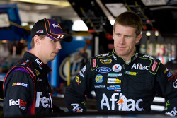 Denny Hamlin, Joe Gibbs Racing Toyota, Carl Edwards, Roush Fenway Racing Ford
