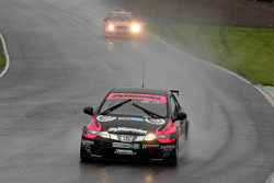 David Pinkney leads Colin Turkington