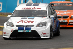 Tom Chilton leads Stephen Jelley