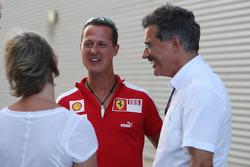 Michael Schumacher, Test Driver, Scuderia Ferrari, Dr. Mario Theissen, BMW Sauber F1 Team, BMW Motorsport Director