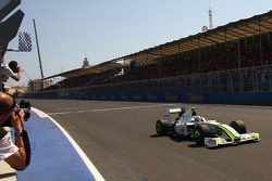 Race winner Rubens Barrichello, Brawn GP