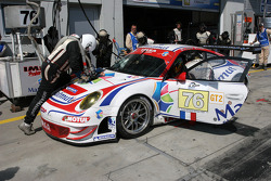 Pit stop for #76 IMSA Performance Matmut Porsche 997 GT3 RSR: Raymond Narac, Patrick Pilet
