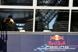 Fernando Alonso, Renault F1 Team in the Red Bull energy station