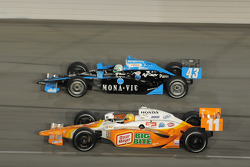 Tomas Scheckter, Dreyer & Reinbold Racing and Toni Kanaan, Andretti Green Racing