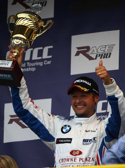 2nd place Andy Priaulx, BMW Team UK, BMW 320si