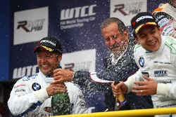 Andy Priaulx, BMW Team UK, BMW 320si and r. Klaus Draeger