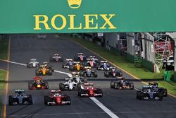 Sebastian Vettel, Ferrari SF16-H, führt zum Start des Rennens