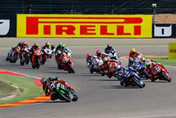 Start action : Tom Sykes, Kawasaki Racing Team and Sylvain Guintoli, Pata Yamaha