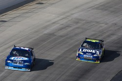 Kurt Busch, Penske Racing Dodge and Jimmie Johnson, Hendrick Motorsports Chevrolet