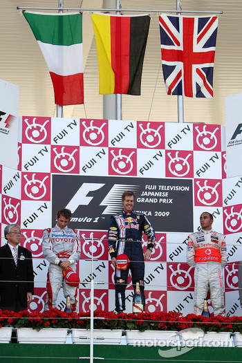 Podium: race winner Sebastian Vettel, Red Bull Racing, second place Jarno Trulli, Toyota F1 Team, third place Lewis Hamilton, McLaren Mercedes