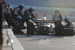 Mario Moraes, KV Racing Technology makes a pit stop