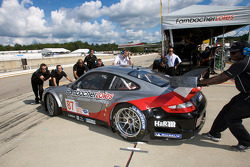#87 Farnbacher Loles Racing Porsche 911 GT3 RSR: Dirk Werner, Wolf Henzler taken to the paddock