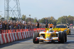Lucas di Grassi, test driver, Renault F1 Team, and Julien Piguet