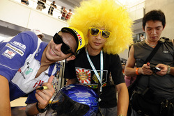 Valentino Rossi, Fiat Yamaha Team with fans