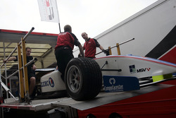 F2 Mechanics load the car of Julien Jousse into the trucks