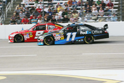 Kasey Kahne, Richard Petty Motorsports Dodge, Denny Hamlin, Joe Gibbs Racing Toyota