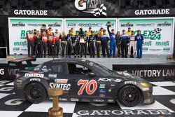 GT podium: class winners Jonathan Bomarito, Nick Ham, David Haskell, Sylvain Tremblay, second place Jorg Bergmeister, Patrick Long, Seth Neiman, Johannes van Overbeek, third place Ted Ballou, Kelly Collins, Patrick Flanagan, Wolf Henzler, Andy Lally