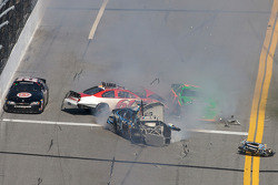Colin Braun, Josh Wise, Danica Patrick and Brian Keselowski crash