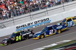 Jeff Gordon, Hendrick Motorsports Chevrolet, Kurt Busch, Penske Racing Dodge and Kyle Busch, Joe Gibbs Racing Toyota