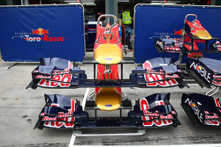 Toro Rosso nose cone and front wing