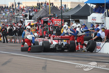 Pit stop for Vitor Meira, A.J. Foyt Enterprises
