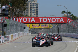 Will Power leads the field at the green flag