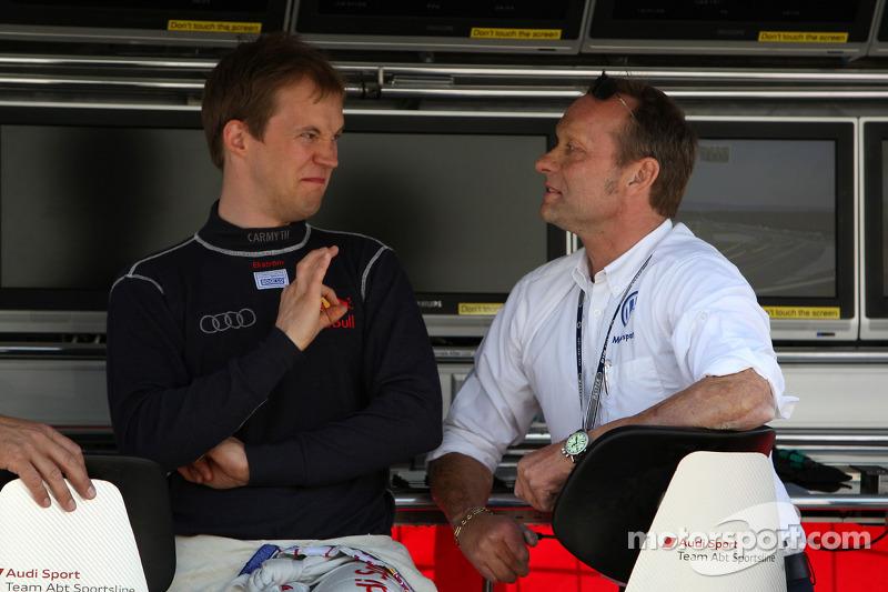 Mattias Ekström, Audi Sport Team Abt Audi A4 DTM in conversation with Volkswagen motorsport director Kris Nielsen