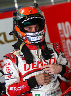 #39 Denso Dunlop Sard SC430: Andre Couto